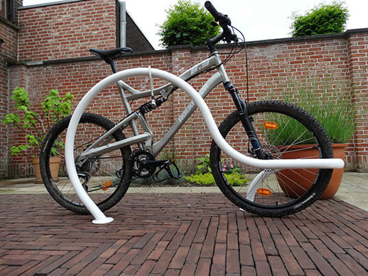 Nowoczesne stojaki rowerowe