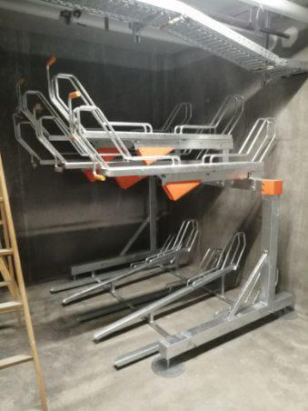 rowerowe stojaki piętrowe