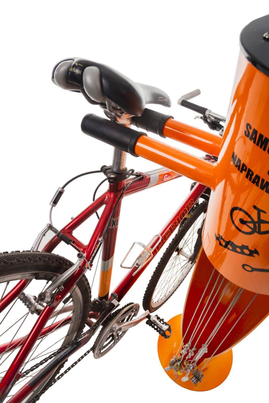 samoobsługowa stacja naprawy rowerów