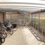 wiata-rowerowa-zabudowane-scianki